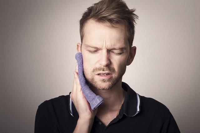 bolečina v zobu